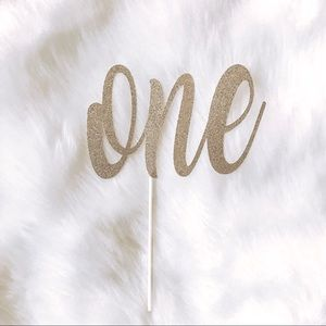 Custom Cake Toppers and Banners!